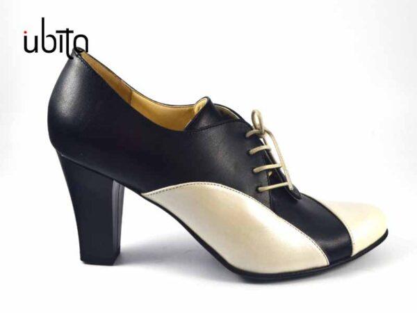 Pantofi dama crem cu siret din piele naturala la comanda V0711-Amani