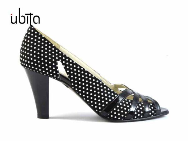 Pantofi de dama cu bulite decupati in fata din piele naturala