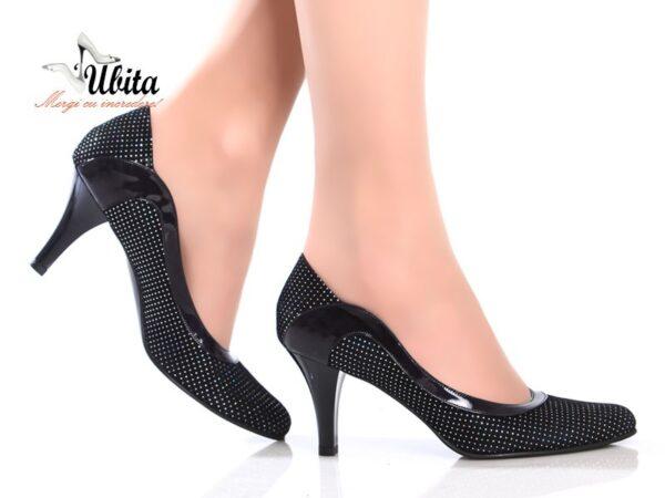 Pantofi curbati cu toc mediu din piele naturala la comanda V0412-Lana