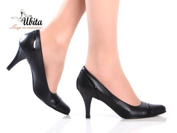 Pantofi office cu toc mediu din piele neagra la comanda V0603-Zoe