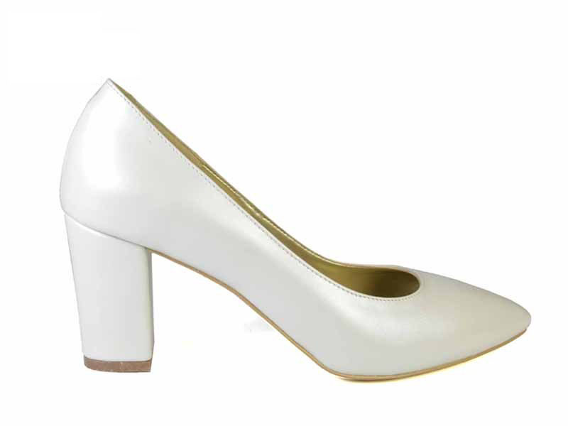 pantofi cu toc gros imbracat in piele albi de mireasa